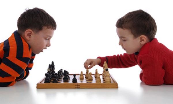 Kết quả hình ảnh cho học cờ vua cho con